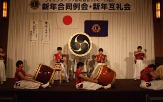 清興・・和☆ロック いよる和太鼓の演奏