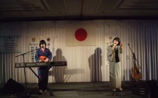 余興・・・熊野出身のポップスシンガー「メビウス」のお二人(姉妹)